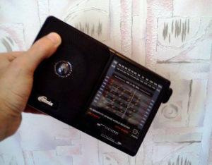 Радиоприемник для поиска скрытой проводки