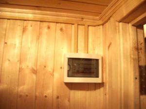 Короб для электропроводки из дерева